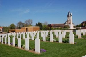Anne Duquesne guide conferenciere Fromelles Weppes Cimetiere Musee