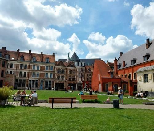 Anne Duquesne guide conferenciere Lille ilot comtesse