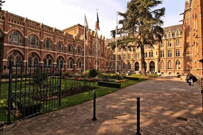 Anne Duquesne guide conferenciere Lille universite la catho