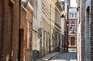 Anne Duquesne guide conferenciere Lille vieux Rue coquerez