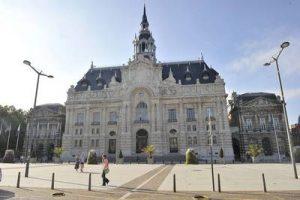Anne Duquesne guide conferenciere Roubaix Mairie Grand Place Hotel de ville