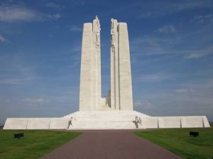 Anne Duquesne guide conferenciere Vimy Monument Canadien